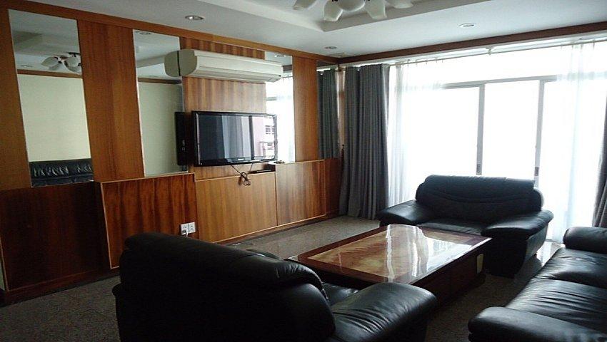 Cho thuê căn hộ hagl quận 2  giá rẻ lh 0937649813