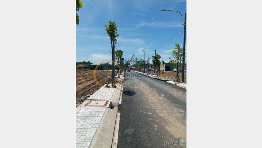 Bán đất nền mặt tiền đường Quốc Lộ 1A, huyện Bình Chánh  giá 620tr/nền, LH 0931099383