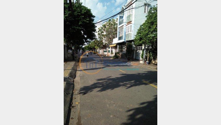 Bán đất mặt tiền đường 185, Phước Long B, Quận 9, sổ hồng giá mềm LH 0937528516