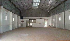 Cho thuê xưởng 200m, gần cầu Vĩnh Tuy, đường rộng xe tải đi thoải mái.