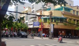 Cho thuê nhà 2MT Lê Hồng Phong Q5,DT: 4mx20m,Giá: 4000$