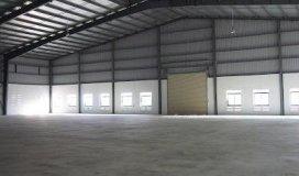 Cần cho thuê nhà xưởng 5000m2 đường hồ học lãm, quận 8. lh:  long
