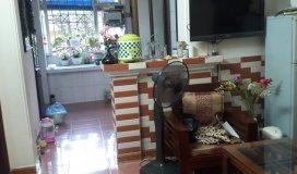 Cần bán căn hộ tập thể, ngõ 120 Hoàng Quốc Việt, Cầu Giấy, 55m2, 2 phòng ngủ, tầng 3, giá hợp lý