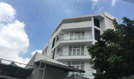 Nhà nguyên căn 265d2 cho thuê giá 40tr/th, 240m2, mặt tiền đường 4 xe hơi, phù hợp làm vp công ty