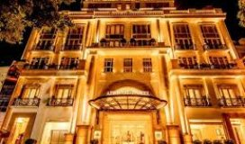Siêu khách sạn mt ngay nguyễn trãi, p. bến thành, q1, dt: 8.2x20m, tn: 6 tỷ/năm 85 tỷ