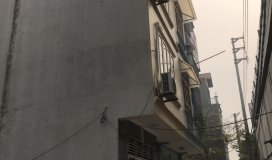 Vợ chồng tôi chuyển công tác cần bán gấp nhà 4.5 tầng tại Phú Diễn, giá 2.48 tỷ , lh 0984.803.901