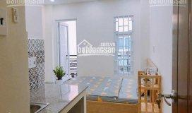 Cho thuê phòng đầy đủ tiện nghi, dọn vào ở ngay, kế bên quận 1, giá 5.5tr//th. dt: 18- 28m2