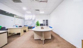 Cho thuê tầng 1 làm showroom, văn phòng, dt 40m2, số 1/78 duy tân, cầu giấy. lh