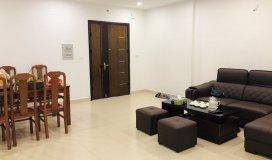 Gia đình tôi cần bán căn hộ 100m2, Đồ cơ bản, giá rẻ, tại 60 Hoàng Quốc Việt, Cầu Giấy, Hà Nội.